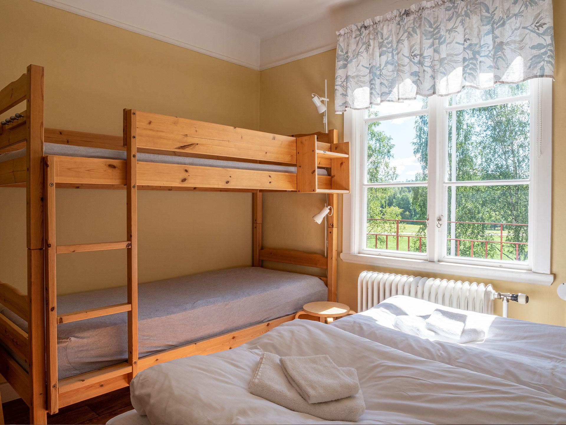 4-bed room, #V13